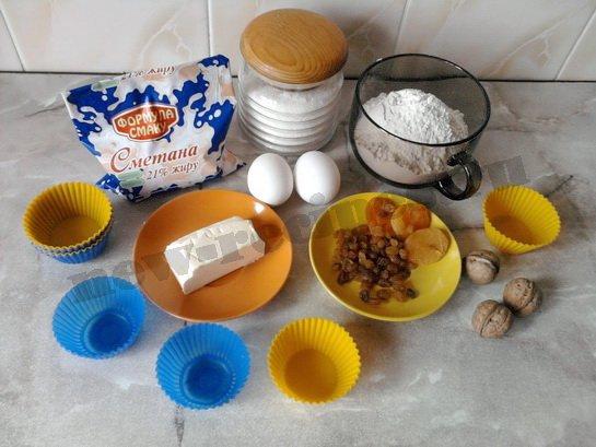 ингредиенты для кексов с сухофруктами