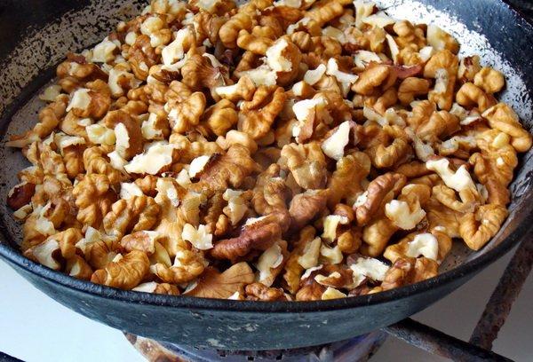 орехи вкуснее, если их обжарить