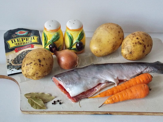 ингредиенты для супа с лососем