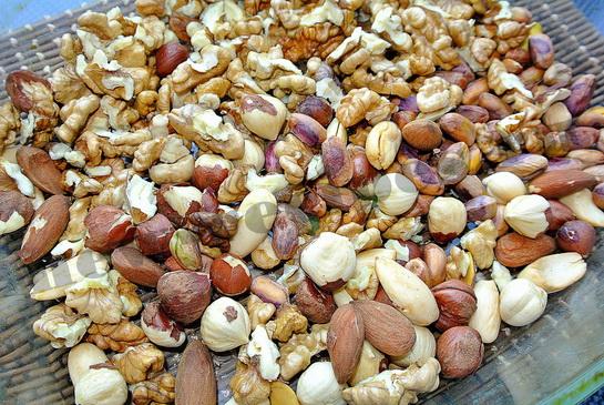Прокалим орехи в духовке