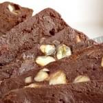 Домашние шоколадные конфеты с фундуком
