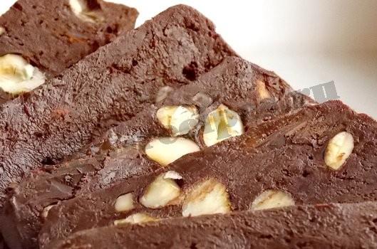 домашний шоколад с фундуком готов