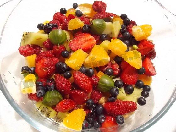 фруктовый десерт радуга