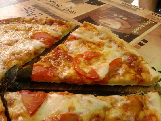пицца сыр помидоры