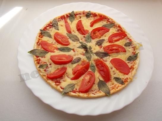 ставим пиццу в духовку или микроволновку