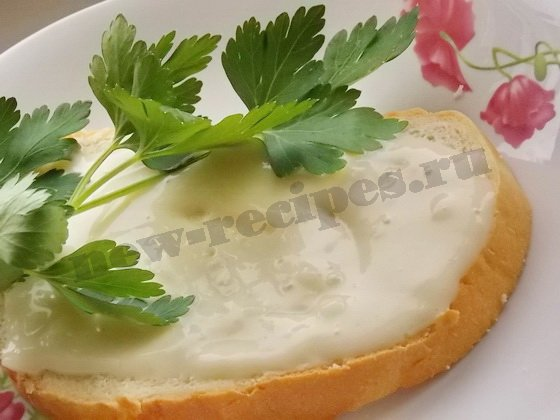 бутерброд с домашним майонезом