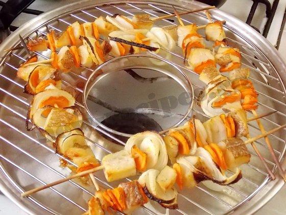 шашлык из рыбы на сковороде гриль газ