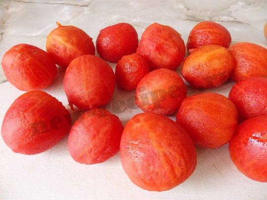 снимаем шкурку с помидоров