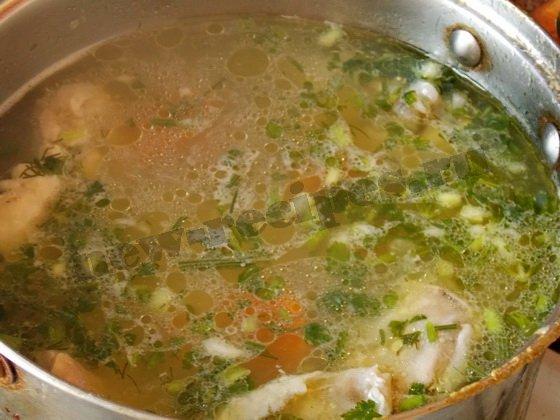 вкусный суп с курицей и макаронами готов