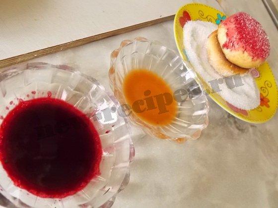 как покрасить пирожные персики