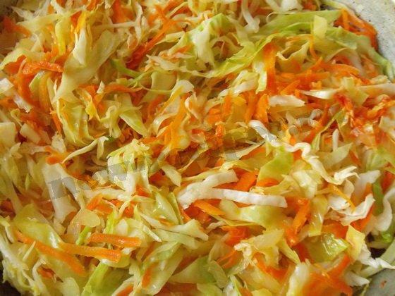 как приготовить начинку свежой капусты и томатной пастой