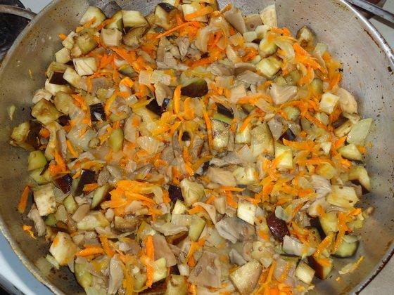 Вкусная тушёная капуста с грибами: фото рецепт
