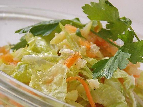 лёгкий салат с пекинской капустой