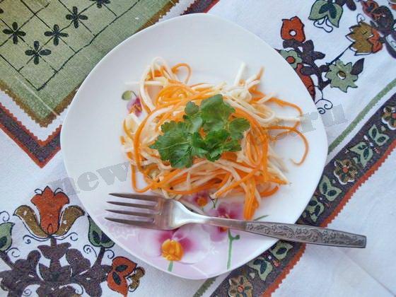 корейский салат из корня сельдерея с яблоком