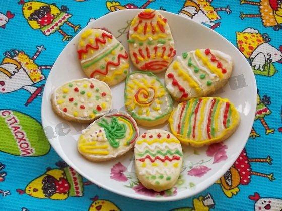 расписное пасхальное печенье