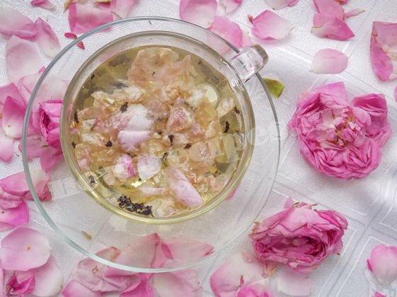 завариваем чай с розами