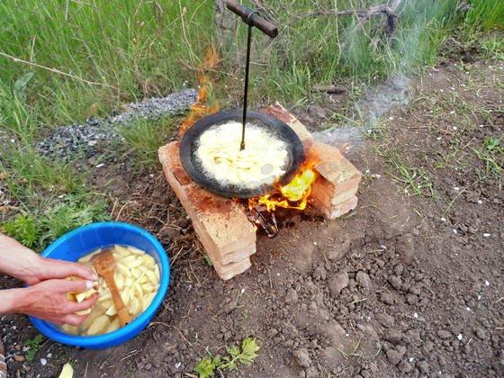 высыпаем картошку