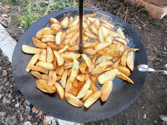 как пожарить картошку на сковороде из диска бороны