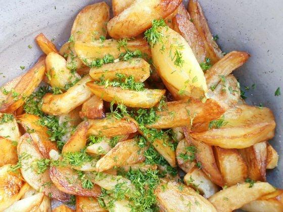 заправляем картошку зеленью