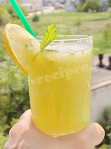 Лимонад с огурцом и лимоном