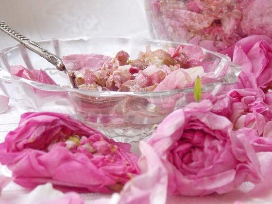 заготовка чайной розы с сахаром