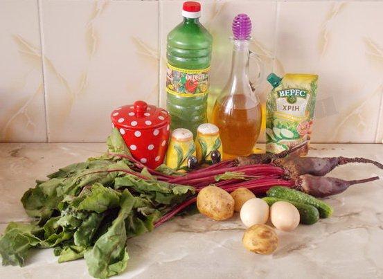 ингредиенты для свекольника с ботвой