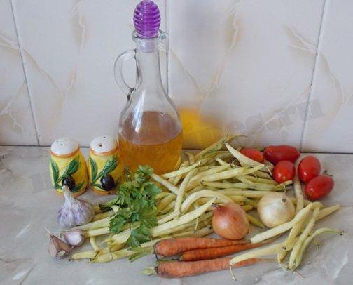 ингредиенты для тушёной спаржевой фасоли