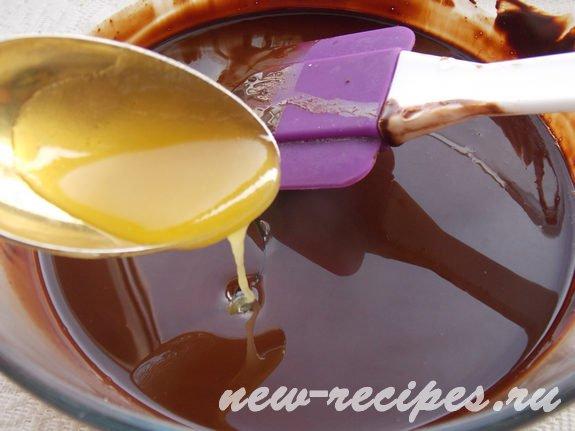 вымешиваем какао тёртое с какао маслом и мёдом