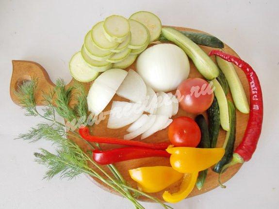 нарежем овощи для ассорти
