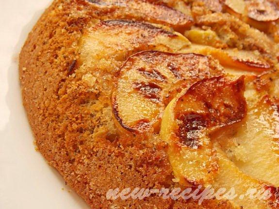 карамельный пирог с айвой