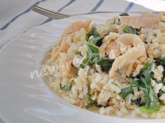 дикий рис со шпинатом и сёмгой