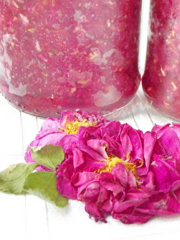 чайная роза, перетёртая с сахаром