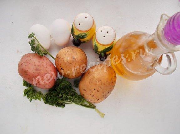 ингредиенты для картофельных блинчиков с яйцом