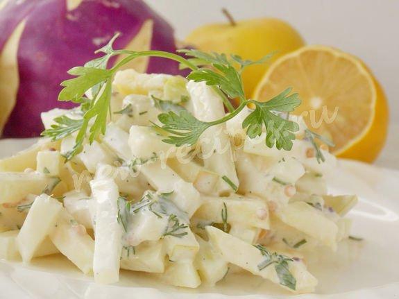 витаминный салат с кольраби