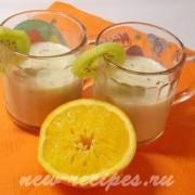 апельсиновый смузи с киви из йогурта