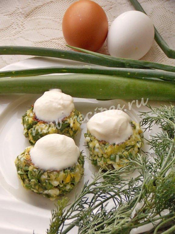 котлеты из яйца и зелёного лука