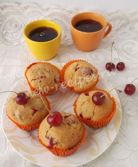 цикориевые кексы с вишнями