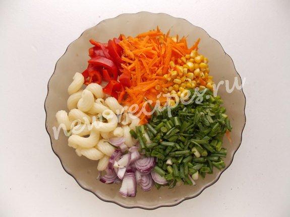 Салат с болгарским перцем и кукурузой