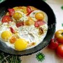 рецепт яичницы с помидорами