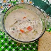 суп с плавлеными сырками и сельдереем
